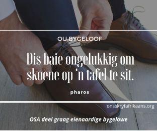 ou bygelowe - skoene op die tafel